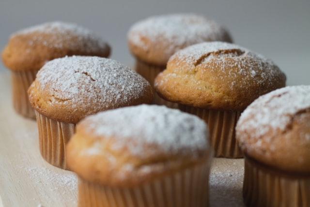 甘くふんわりとしたスポンジケーキがきれいに焼けたイメージ画像