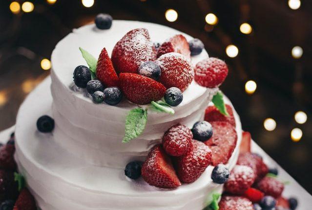 【ケーキをナッペするコツ】回転台を使うとき気をつける2つのこと。