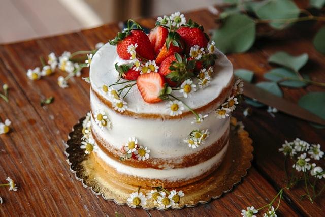 【ケーキの仕上げを自在に操ろう!】クリームを塗る道具5つを紹介。